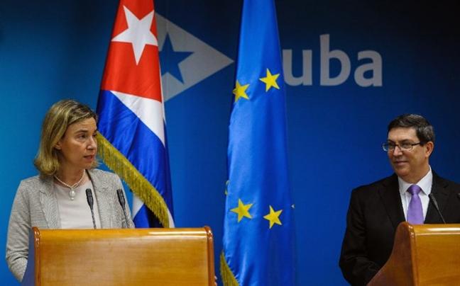 EU dung ve phia Cuba chong trung phat tu My