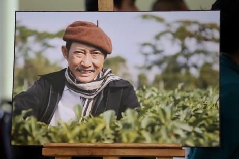 Đồng nghiệp đưa tiễn nghệ sĩ Lê Bình lần cuối