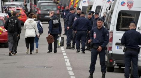 Bốn người đã được thả trong vụ một thiếu niên Pháp bắt con tin