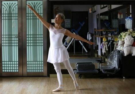Bà nội tuổi 70 và ước mơ trở thành vũ công ballet
