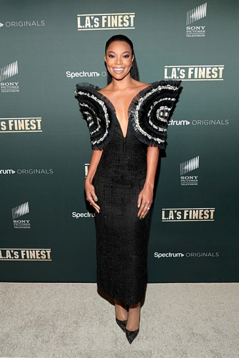 Nữ diễn viên nổi tiếng Hollywood Gabrielle Union ghi điểm với trang phục của Công Trí