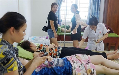 50 du khách nhập viện sau khi ăn hải sản tại Thanh Hóa