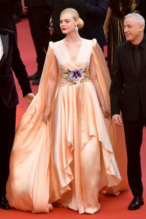 Cannes 2019: Mê đắm những trang phục đẹp mắt nhất