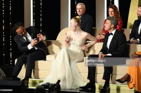 Cannes 2019 ngày bế mạc: Chương Tử Di và Elle Fanning 'đụng hàng'