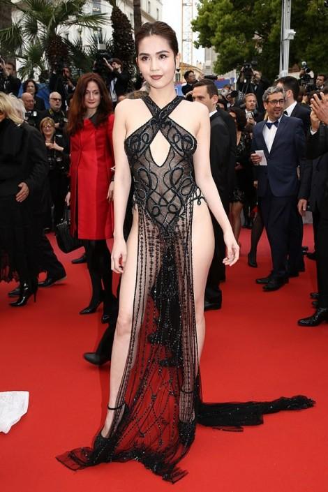 Trang phục nào hở bạo nhất LHP Cannes 2019?