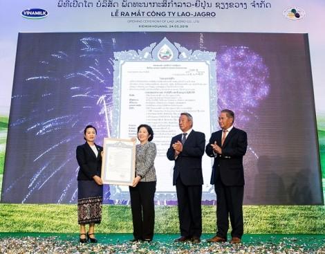 Đầu tư 120 triệu USD, Vinamilk hợp tác xây dựng tổ hợp 'resort' bò sữa organic tại Lào