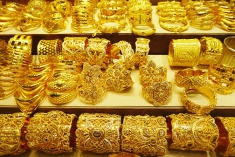 Thương chiến Mỹ - Trung: Người Trung Quốc lo mua vàng, trữ USD