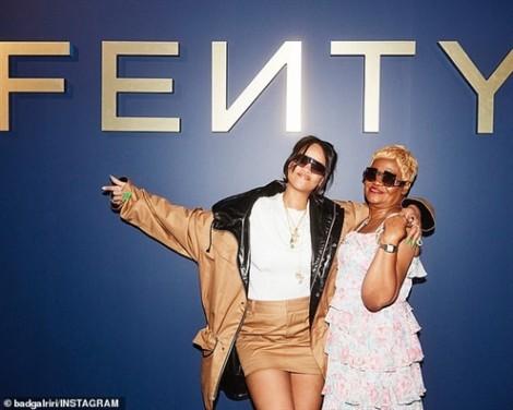 Bất ngờ về người mẫu tham gia quảng bá cho dòng thời trang mới của Rihanna