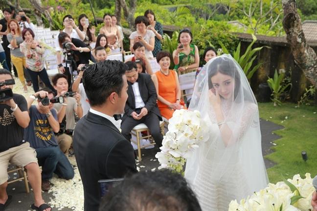 Duong Mich ve Hong Kong don sinh nhat cung con gai