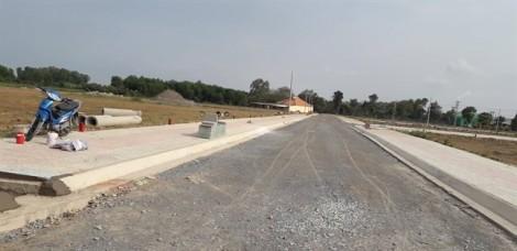 Xây dựng, bán hàng trái phép tràn lan ở dự án chuyển đổi khu công nghiệp thành khu dân cư ở Long An