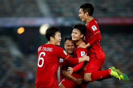 Tour chung kết King's Cup 'nóng' sau khi Việt Nam hạ Thái Lan