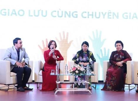 Diễn viên Quyền Linh: Con gái từng nhờ ba mua miếng... băng tràn