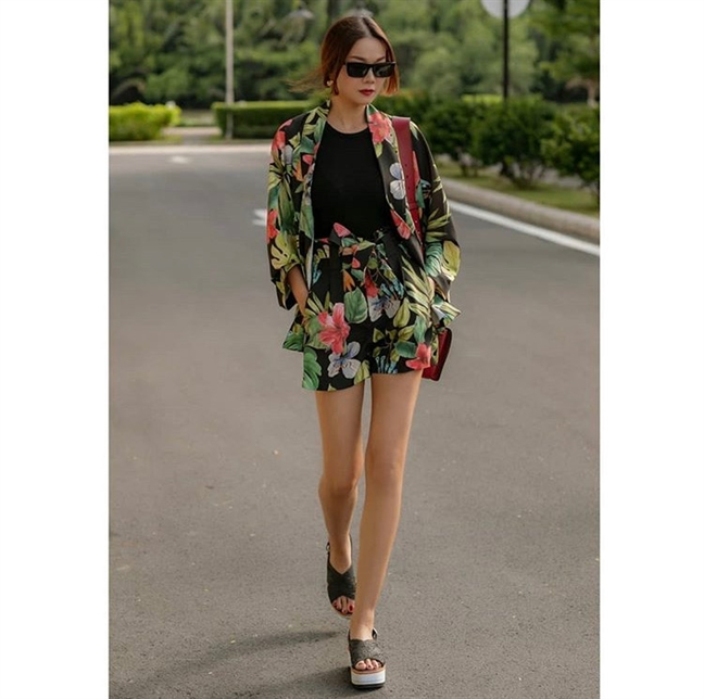Hoc theo street style khoe chan dai cua dan my nhan Viet