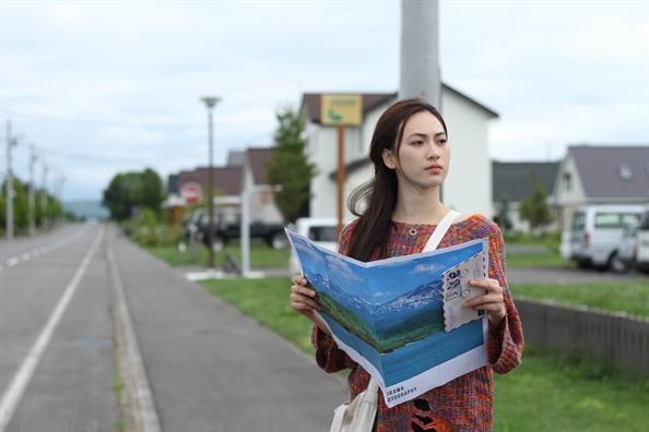 Ngam nhan sác cua Phuong Anh Dào tu trong phim den doi thuc