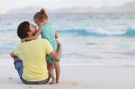 Cha ruột 'quyết chiến' với cha mẹ chồng
