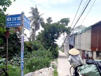 Giữa Sài Gòn, cả trăm hộ dân  triền miên dùng nước bẩn