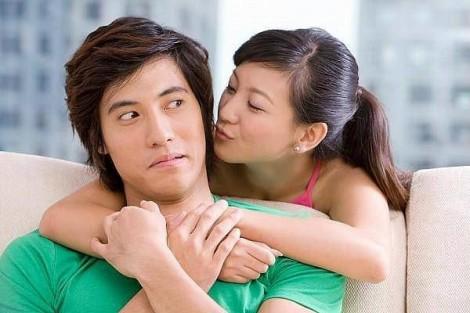 Chồng gai người khi vợ bỗng nhiên ngọt ngào