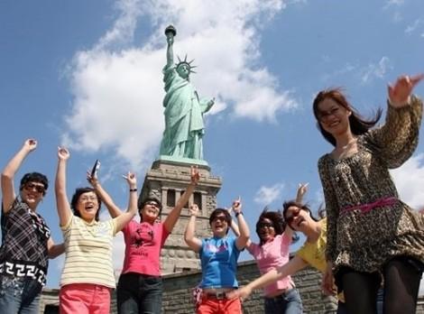 Du lịch là 'mặt trận'  quan trọng của Trung Quốc trong cuộc chiến  thương mại với Mỹ