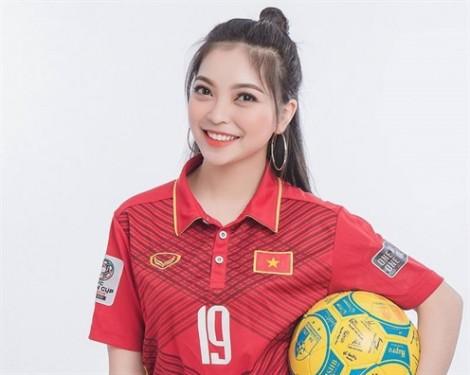 Nhan sắc của những 'bóng hồng' bên cạnh các cầu thủ Việt Nam