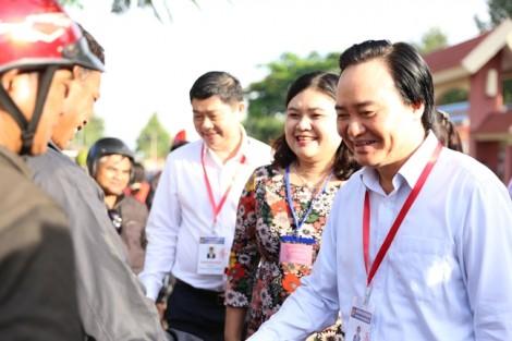 """Bộ trưởng Phùng Xuân Nhạ """"vi hành"""" yêu cầu tạo tâm lý thoải mái cho thí sinh"""