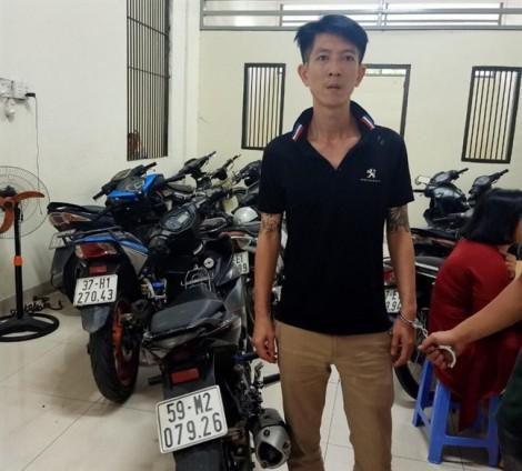 Thanh niên thua cá độ, đập đầu tài xế Go Việt cướp xe Exciter