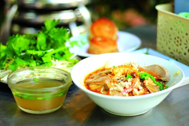 Kham pha nuoc xot dac trung cua quan hu tieu Thanh Xuan 75 nam tuoi cua Sai Gon
