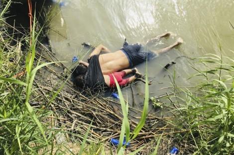 Chết trên bờ 'đất hứa', hai cha con về an nghỉ tại đất mẹ El Salvador