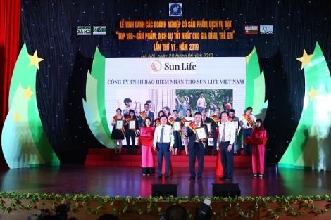 Sun Life Việt Nam lọt Top 100 sản phẩm tốt nhất cho gia đình và trẻ em