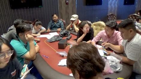 Công an TP.HCM bất ngờ đột kích ổ bạc Poker do người Hàn Quốc tổ chức