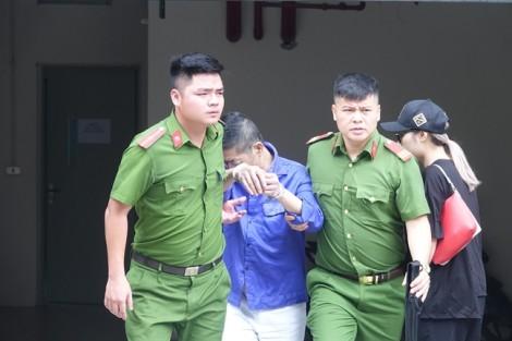 Ngổ ngáo bao năm ở chợ Long Biên, Hưng 'kính' mếu máo khi đến tòa
