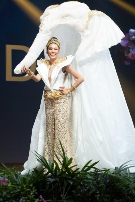 Trang phục truyền thống Thái Lan, dù phá cách đến đâu vẫn đẹp và đậm chất Thái