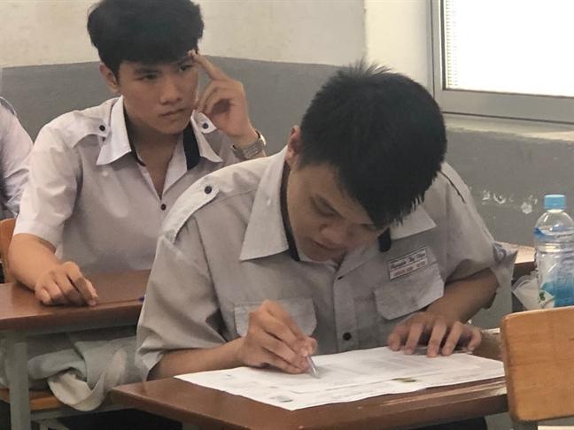 Sau gian lan thi cu, diem thi Ha Giang, Son La, Hoa Binh thap, co gi vui?