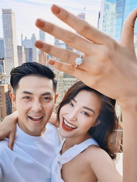 Những chiếc nhẫn đính hôn tiền tỷ của sao Việt