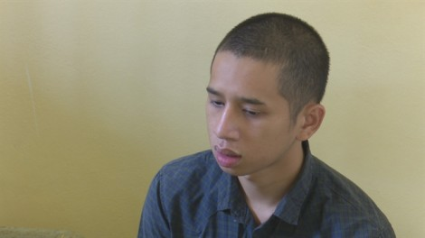 Thanh niên rượt chém người vì cho rằng hỗn láo với cha mình