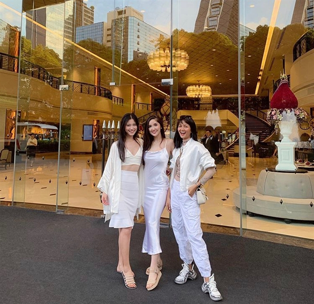 H'Hen Nie 'len do' ca tinh hoi ngo hoa hau hoan vu Thai Lan va Trung Quoc