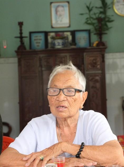 Hội LHPN TP.HCM thăm Bà Mẹ Việt Nam anh hùng và gia đình chính sách