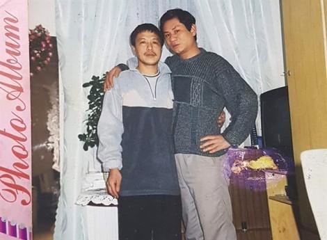 Bức thư đẫm nước mắt gửi người ba mất tích 13 năm bên trời Âu: các cháu vẫn chưa được nhìn mặt ông