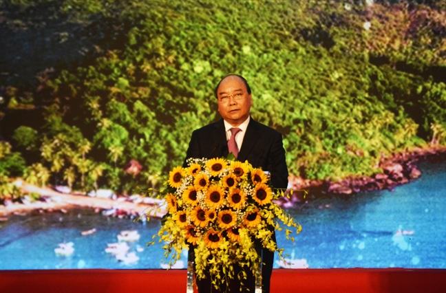 Thu tuong Nguyen Xuan Phuc: 'Phai tiet kiem dat, khong pha vo quy hoach Phu Quoc'