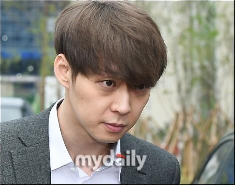 Nam ca sĩ Hàn bị nghi ngờ mua chuộc cảnh sát để thoát tội tấn công tình dục