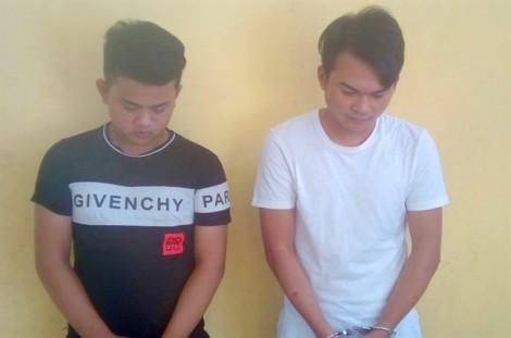 Bắt 2 thanh niên chuyên lừa tiền bằng chiêu báo trúng thưởng xe SH
