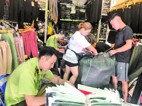 'Hàng hiệu' Gucci, Louis Vuitton, Hermès... từ Móng Cái đến Hà Nội, Sài Gòn
