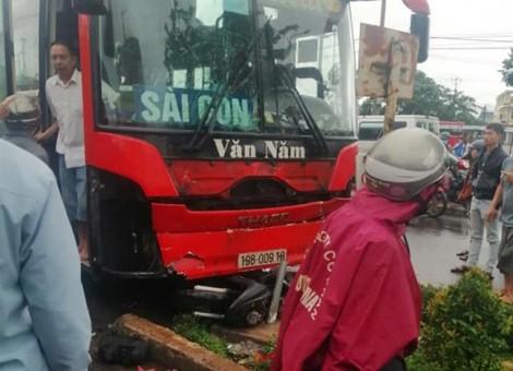 Clip vụ tai nạn trước khu vực chợ ở Gia Lai làm 4 người thiệt mạng