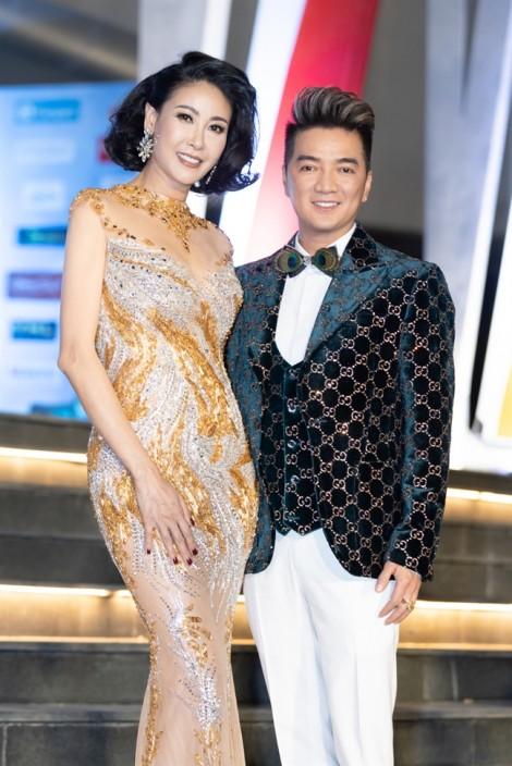 6 Hoa hậu Việt Nam đọ dáng quyến rũ trong trang phục xuyên thấu