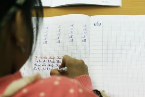 Con gào thét đòi học chữ trước khi vào lớp Một