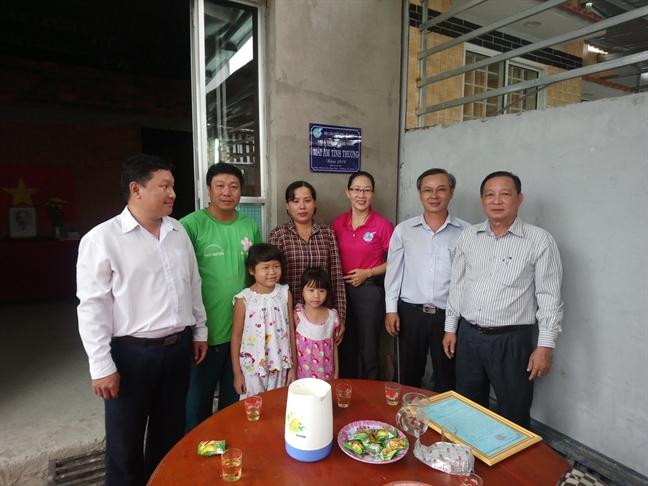 Tang nha cho phu nu ngheo xa Phu Nhuan, Thanh pho Ben Tre