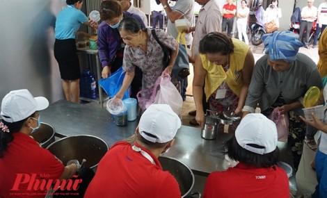 Bếp Yêu thương - bếp ấm của bệnh nhân nghèo