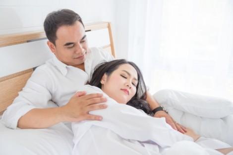 Bất mãn gối chăn vì chồng hiểu sai lệch các 'điểm yêu'