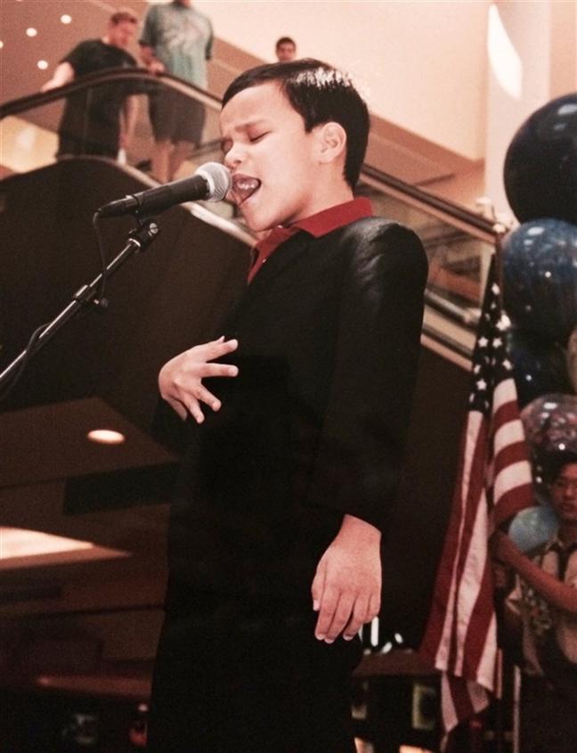 Chang trai khiem thi, tu ky vao ban ket America's Got Talent