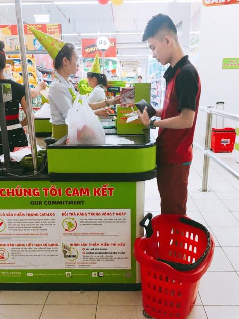 Người mua hàng vẫn bị thu phí  khi thanh toán bằng thẻ