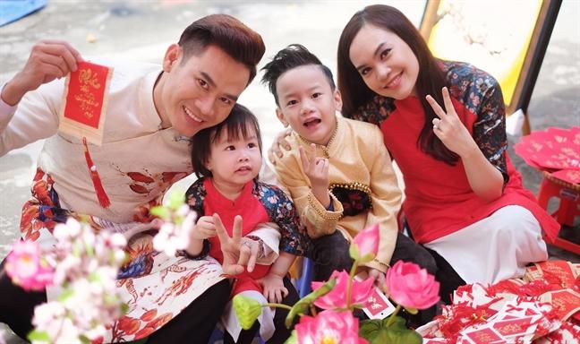 MC Hong Phuc - Quynh Phuong: 'Yeu chay' 9 nam rong ra